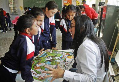 Galería de fotos – Entrega de #ÚtilesParaCrear en Corrales