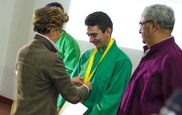 Osmar Ebeiro Perilla Maestro Ilustre Secretaría de Educación de Boyacá
