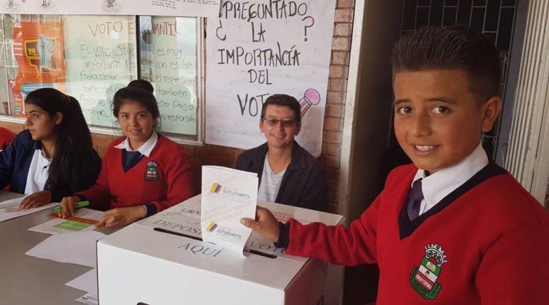 voto-estudiantil-f25